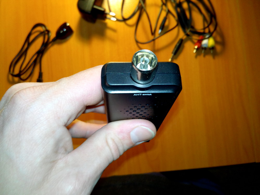 гнездо для антенны cadena cdt-1631